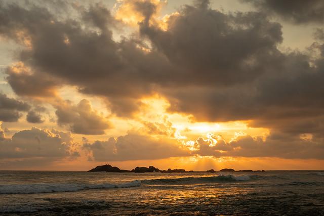Sunset Surf, Hikkaduwa