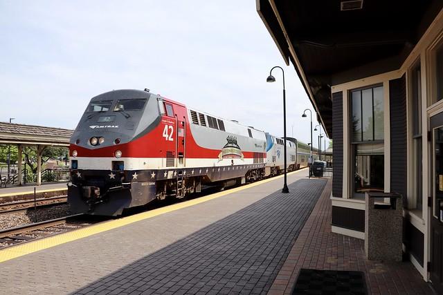Amtrak 42 at Deerfield