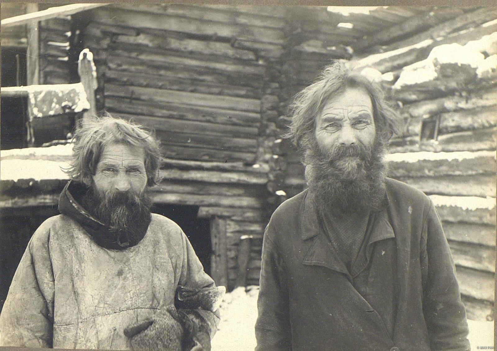 Крестьяне в возрасте около 60 лет.
