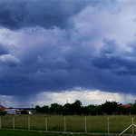 3. Juuni 2020 - 13:36 - Stormy panorama on the northwestern sky, while showers approaching the town with spectacular rain shadows. Date: June 3, 2020 13:36 Temperature: 23°C (73°F)