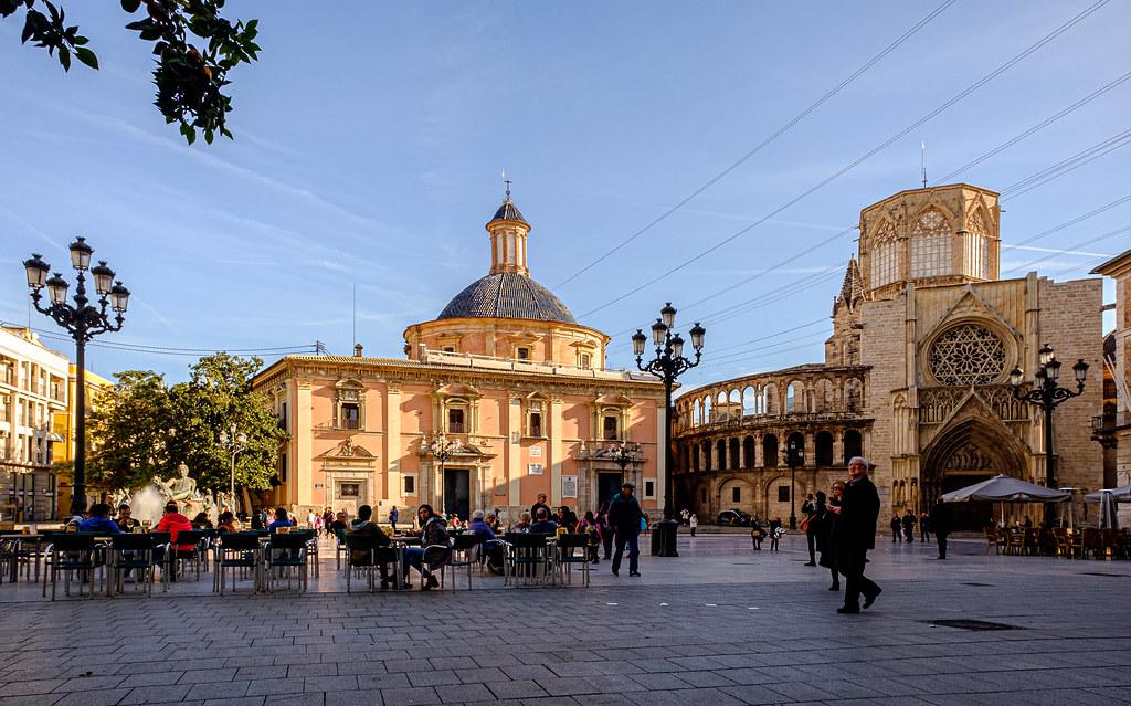 Plaza de la Virgin (Valencia) (Velvia)(Fujifilm X70 Compact & 21mm wide adaptor lens) (1 of 1)
