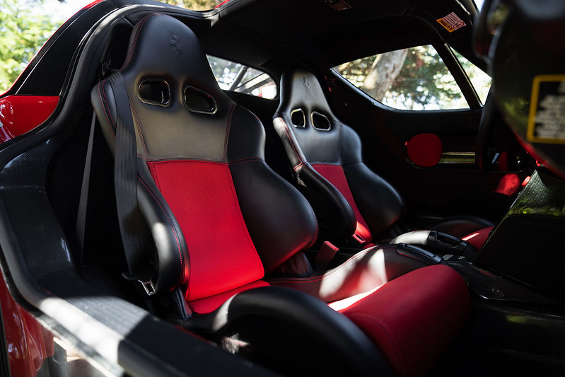 Ferrari-Enzo-36