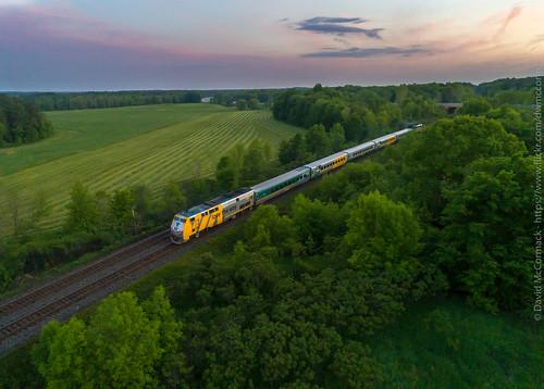 cnkingstonsub train via via669 via910 elizabethtownkitley ontario canada