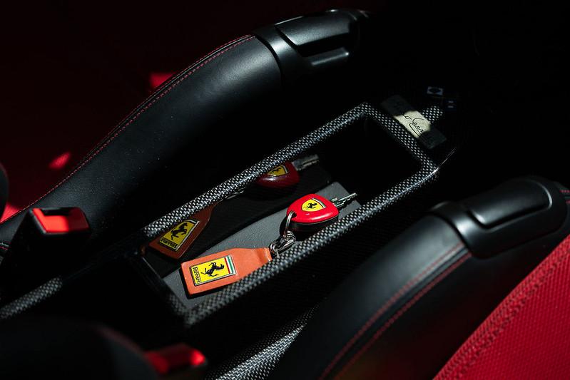 Ferrari-Enzo-29