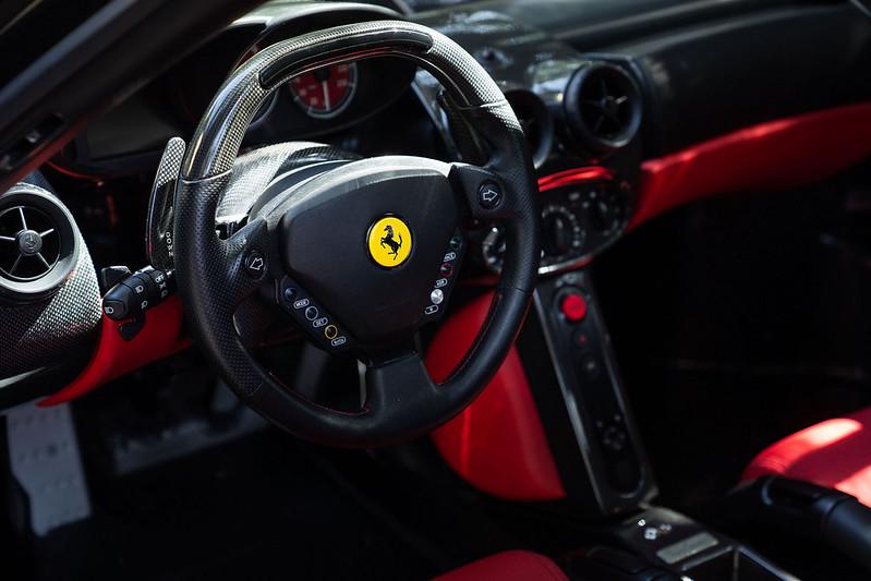 Ferrari-Enzo-28