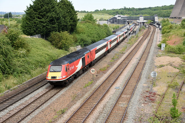 43316 EMR x LNER @ EAST MIDLANDS PARKWAY with the 1B38 1145 NOTTINGHAM - ST PANCRAS INTERNATIONAL  , Tuesday 02nd June 2020