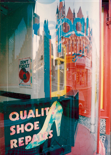 Shoe Repair, Tottenham Lane, Hornsey, 1989 TQ3088-006