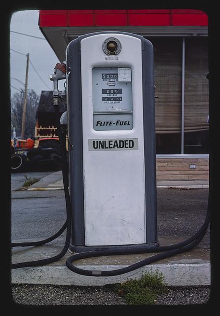 Phillips 66 gas pump, Rt. 60, Columbus, Wisconsin (LOC)