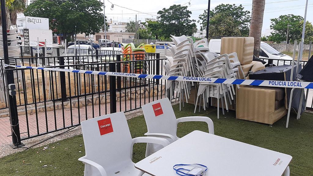 La Policía Local de Arahal ha precintado cautelarmente una terraza