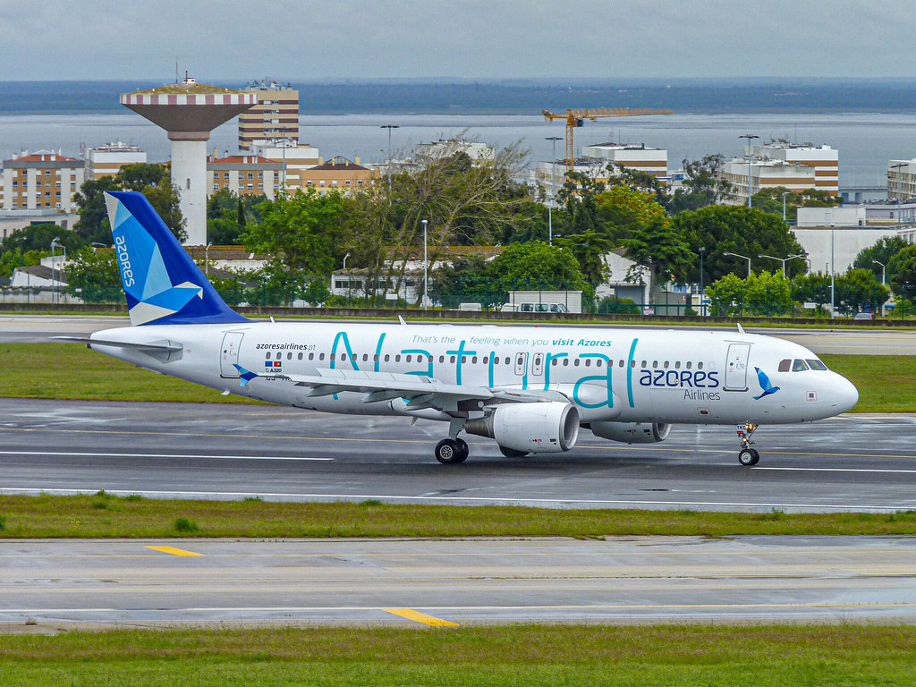 Azores Airlines Airbus A320-214 CS-TKQ