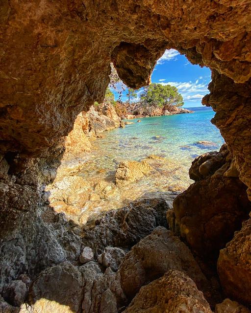 This beach you can only reach through a cave
