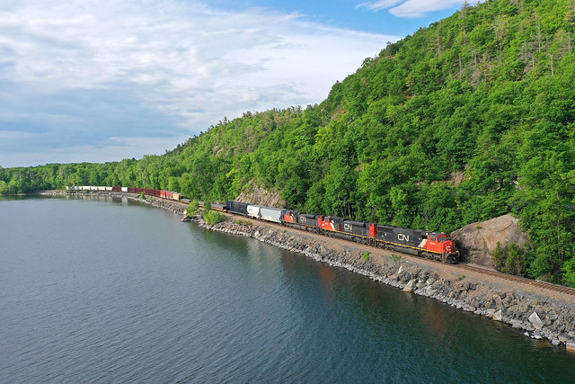 CN EMD's along Lake Champlain