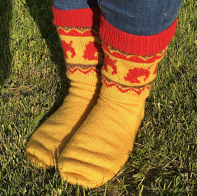 Sandi finished this test knit! They are ACNH Nook Inc Socks by Seraphym Fibres!
