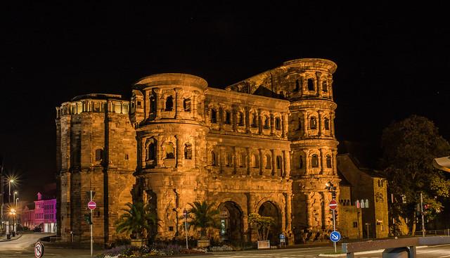 Trier by Night 1 - Porta Nigra
