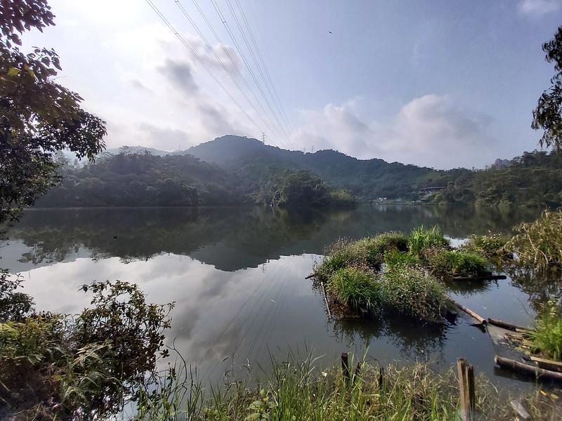 Hiking Resources:  Lake Baipao 白匏湖 in Neihu, Taipei