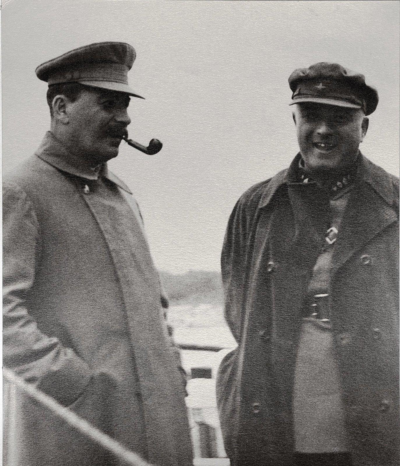 30. И.В. Сталин и Н.С. Власик. Теплоход Клара Цеткин. Август 1933