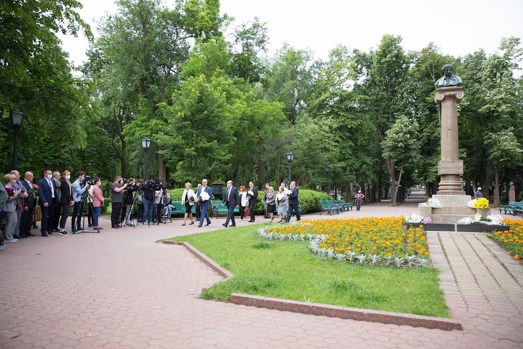 06.06.2020 Depunere de flori la monumentul lui Aleksandr Puşkin