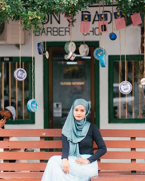 Muslim clothing stores