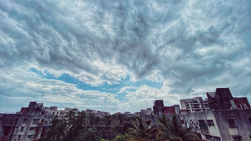 iphoneography iphone11pro day outdoors landscape wideangle blue skyline clouds structure urban mobilephotography maharashtra pune puneclicks punetimes