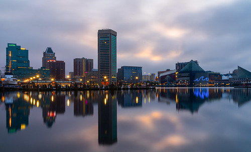 baltimore maryland innerharbor reflections city dawn sunrise clouds neon morning sony tamron