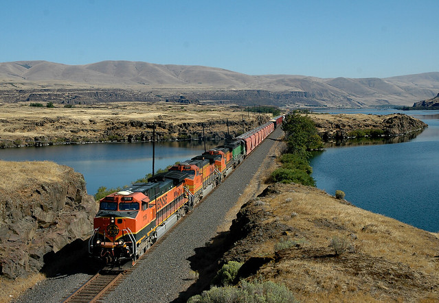 BNSF 1119 west Manifest, N Dalles Washington 13.09.2008