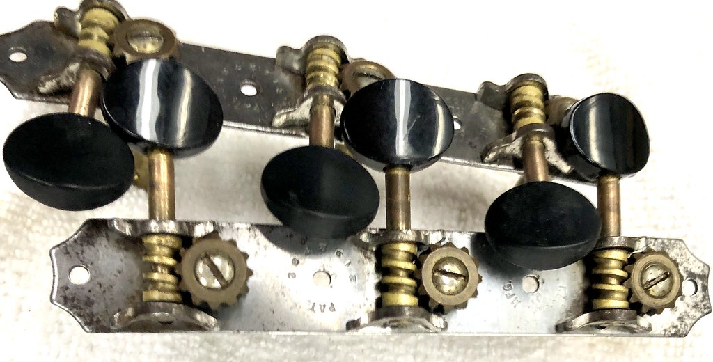 Tuners button aging