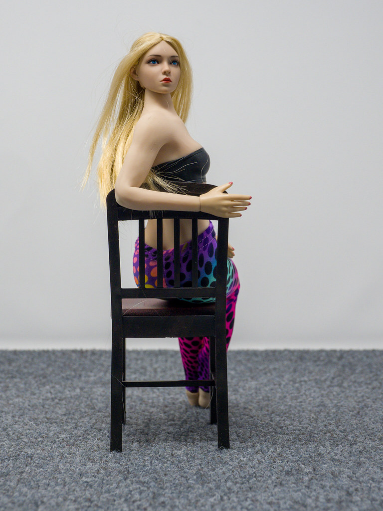 Phicen Female Posing Guide 49977593306_87d6cab149_b