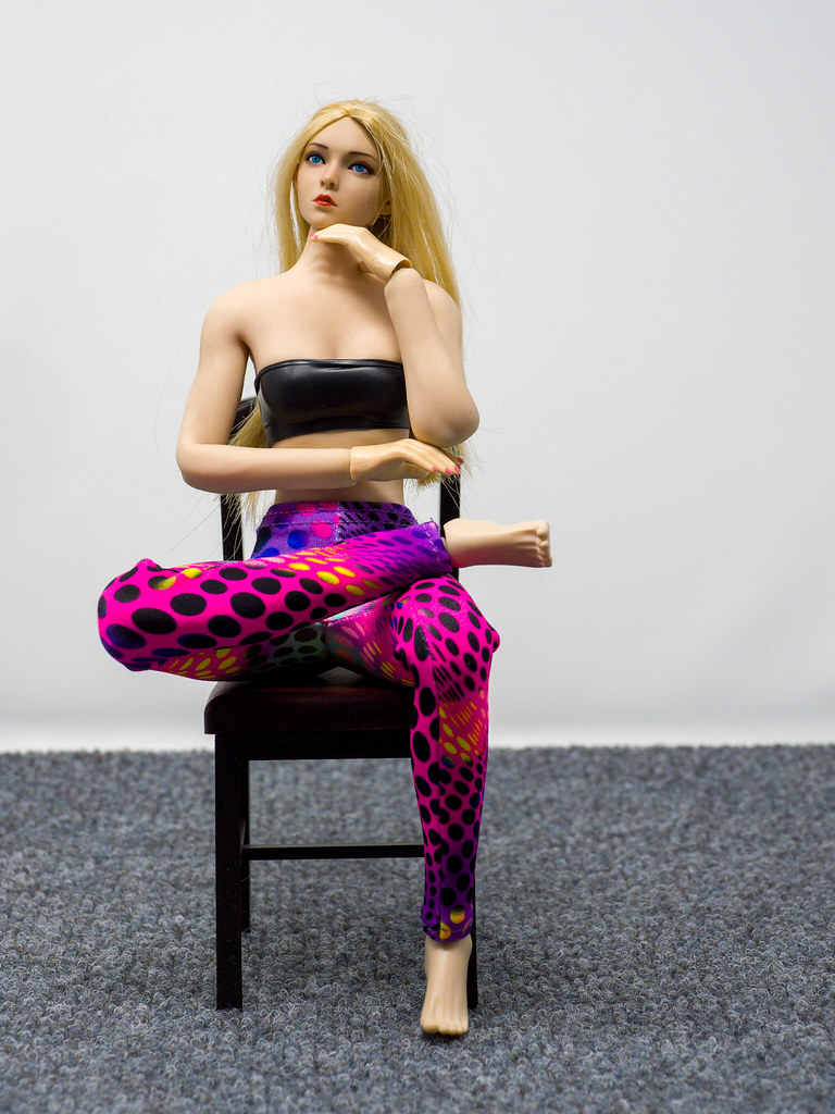 Phicen Female Posing Guide 49977593511_0af87e3be4_b