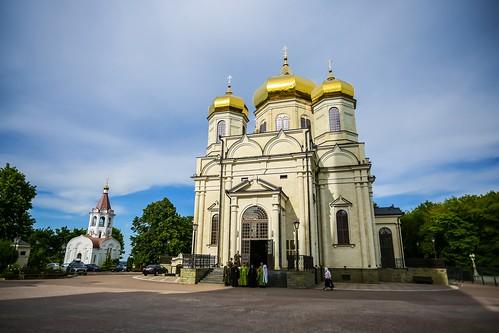 06 июня 2020, В канун праздника Святой Троицы митрополит Кирилл совершил всенощное бдение в Казанском соборе