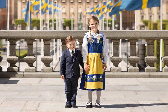 Nieuwe officiële foto van Prinses Estelle en Prins Oscar van Zweden t.g.v. Nationale Dag (2020)