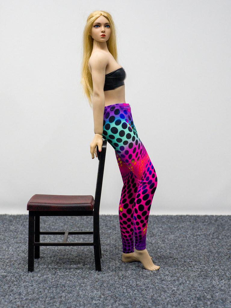 Phicen Female Posing Guide 49977856272_48870f70b9_b