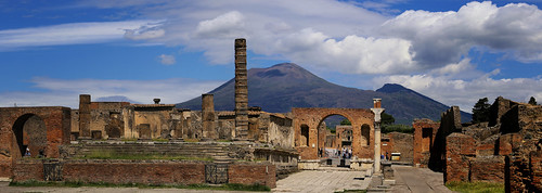 Volcano Vesuvius as seen from the temple of Jupiter in ancient city of Pompeii | by B℮n