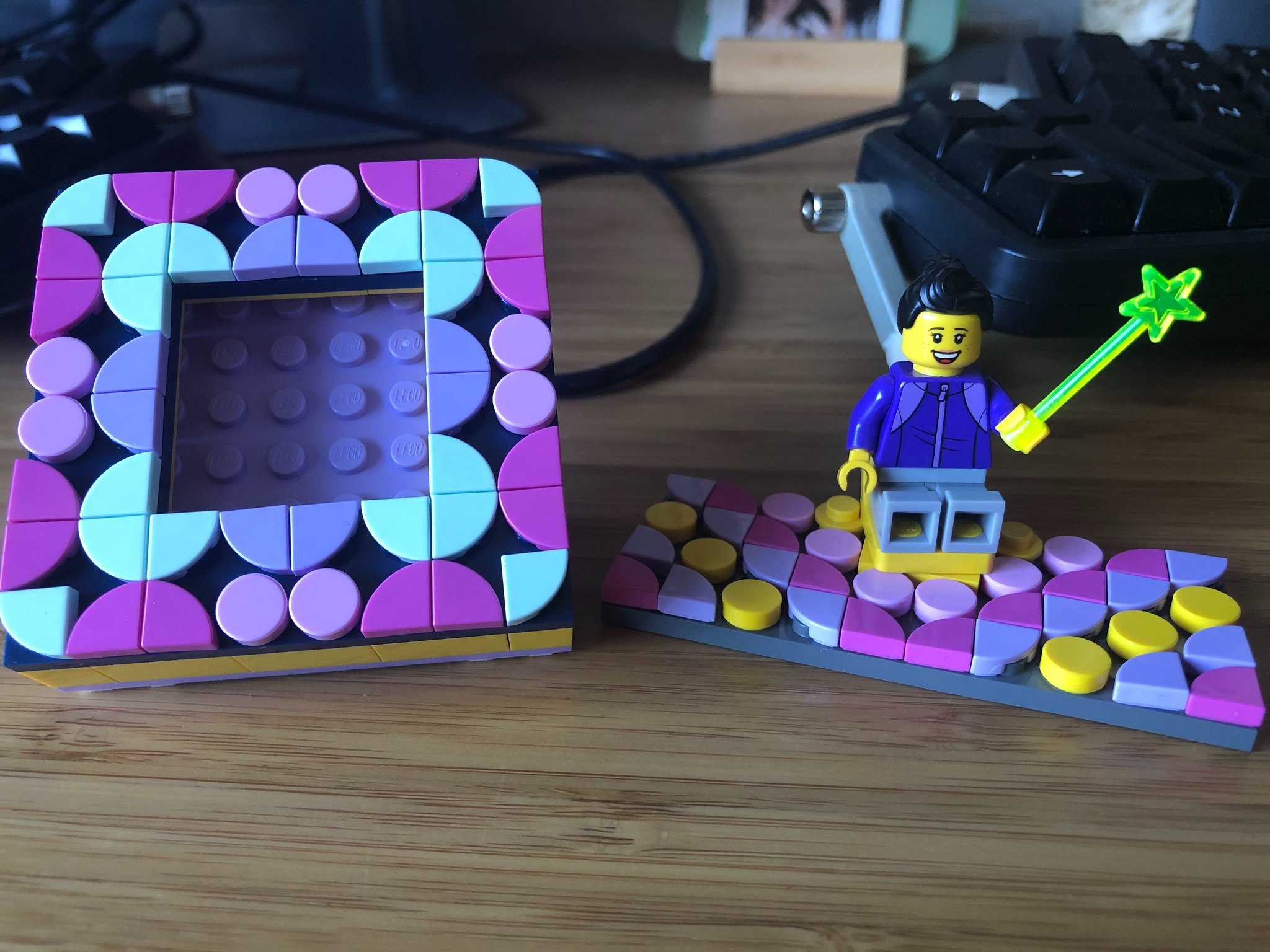 DOTS frame and minifigure