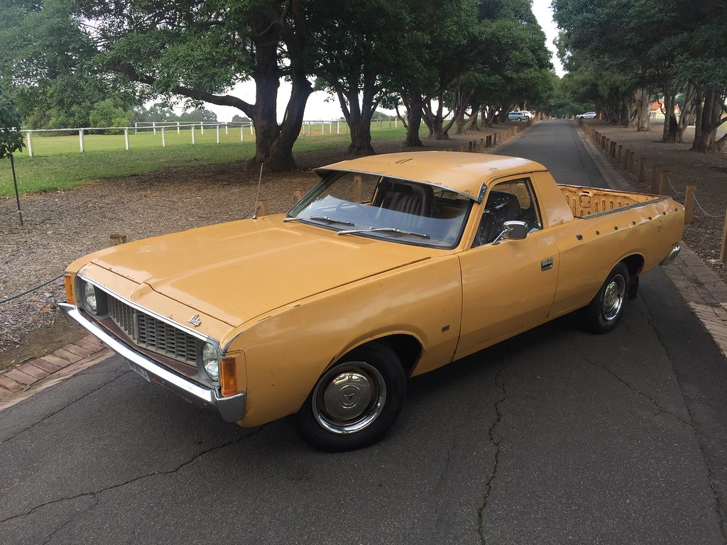 1975 VJ Dodge (Valiant) Ute.  Chrysler Australia.  265 Hemi 6, 3 speed column shift manual.