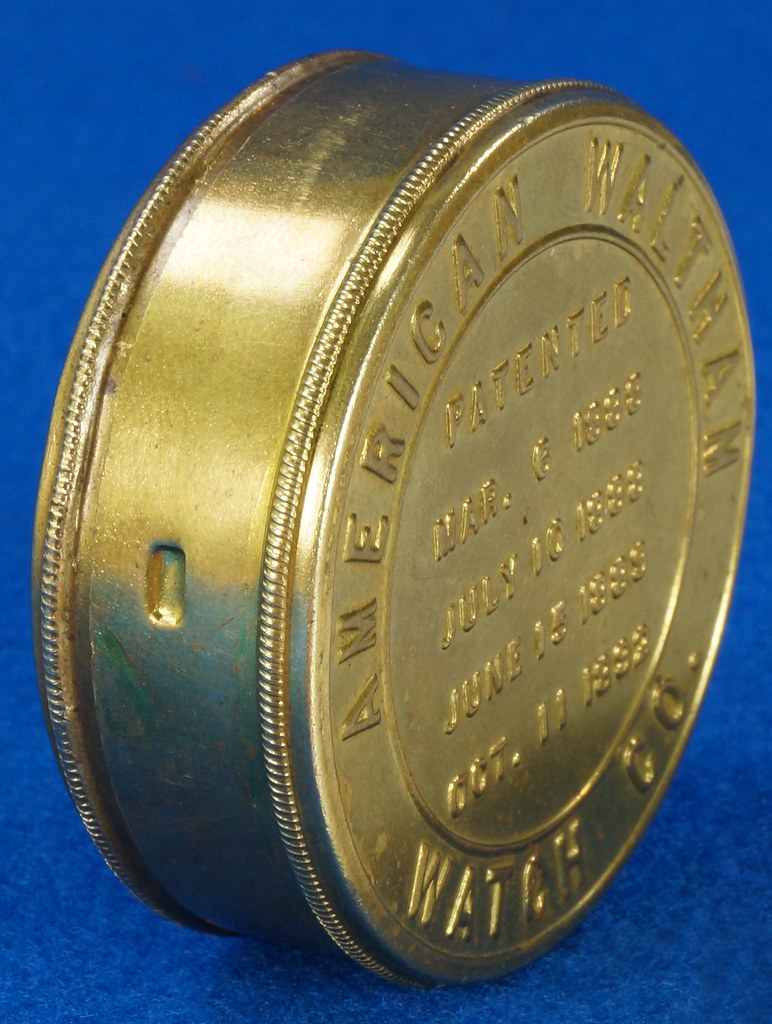 RD28267 Antique 1895 American Waltham Brass Pocket Watch Mailing Container DSC07247