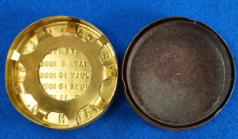 RD28267 Antique 1895 American Waltham Brass Pocket Watch Mailing Container DSC07243