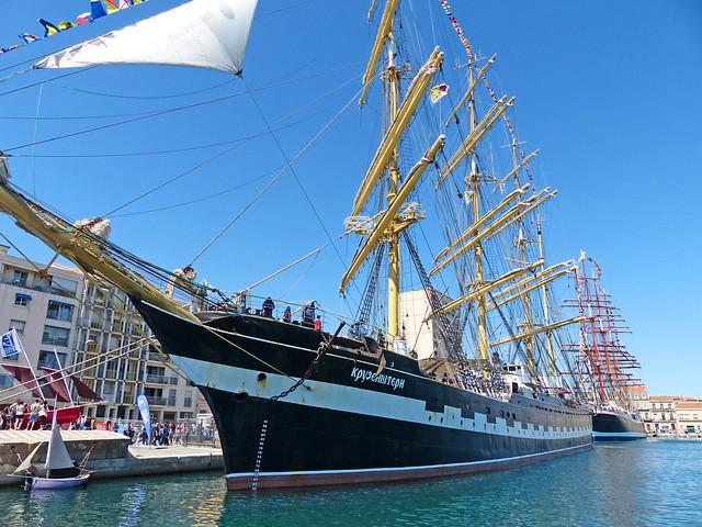 France, au port de Sète les 2 voiliers, le Krusenstern et le Sedov Russe