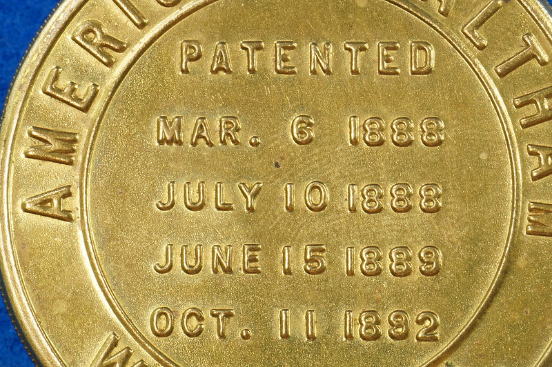 RD28267 Antique 1895 American Waltham Brass Pocket Watch Mailing Container DSC07241