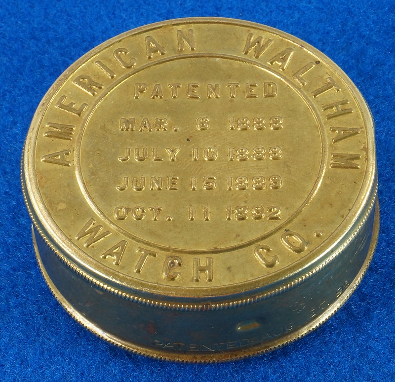 RD28267 Antique 1895 American Waltham Brass Pocket Watch Mailing Container DSC07240