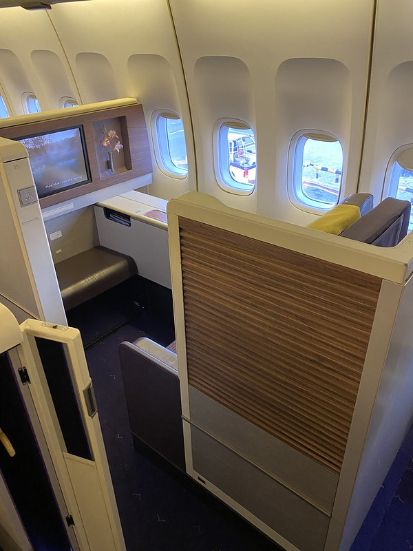 Thai Airways Royal First - BKK-HKT - Suite Solo