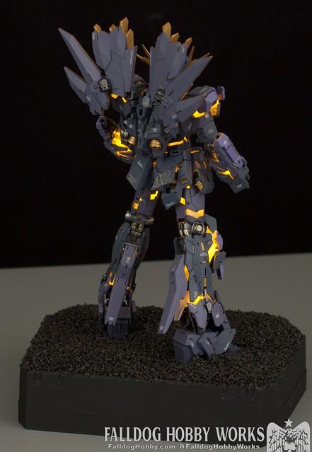 RG Unicorn Gundam 02 Banshee Norn (Lighting Model) 21