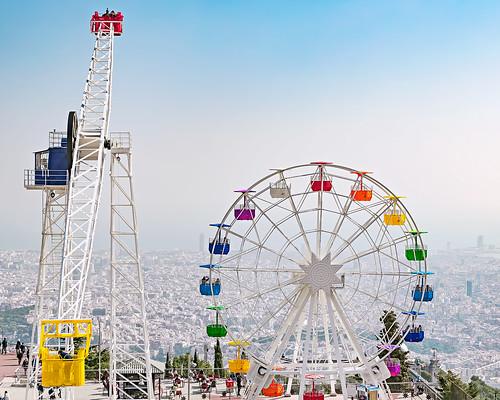 spain barcelona colorful view fairground ferriswheel amusementpark espagne multicolor tibidabo fairgroundride skywalk sagratcor day colore jour vue barcelone granderoue technicolour forain multicolore parcdattractions ariotofcolour tourdemanège colourful multicolour high monttibidabo haute
