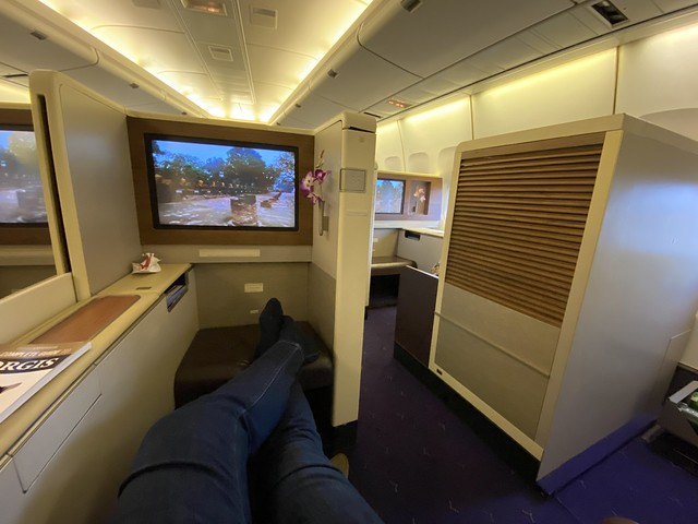 Thai Airways Royal First - BKK-HKT - Lounging