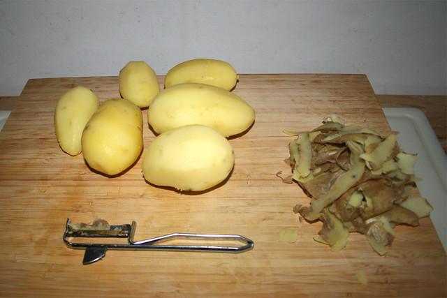 42 - Kartoffeln schälen / Peel potatoes
