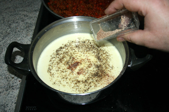 36 - Mit Muskatnuss abschmecken / Taste with nutmeg