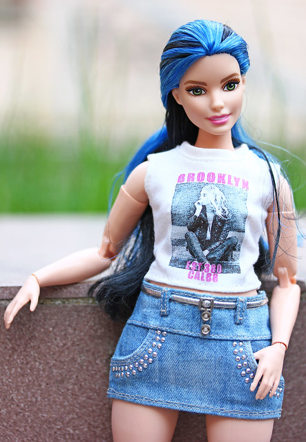 Barbie Fashionistas Curvy