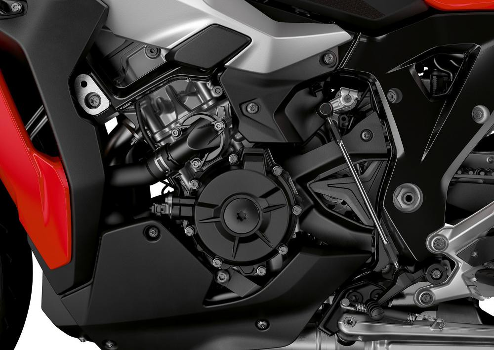 BMW S 1000 XR Racing Red Engine