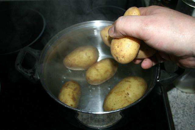 10 - Kartoffeln kochen / Cook potatoes