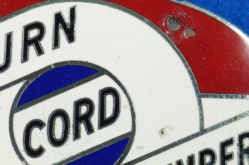 RD29642 RARE! Vintage AUBURN CORD DUESENBERG Badge Emblem Bumper License Plate Topper DSC07282