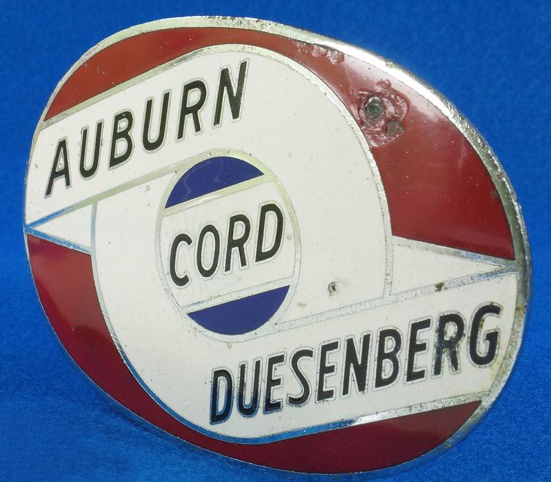 RD29642 RARE! Vintage AUBURN CORD DUESENBERG Badge Emblem Bumper License Plate Topper DSC07281